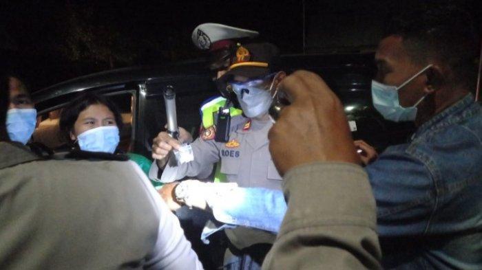 Sopir Minibus Dibekuk Polisi karena Bawa Sabu Melintas di Kelurahan Mamboro Palu