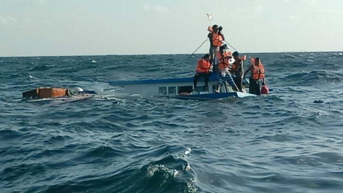 Kapal Tujuan Pelabuhan Luwuk, Banggai Tenggelam, 14 Penumpang Selamat