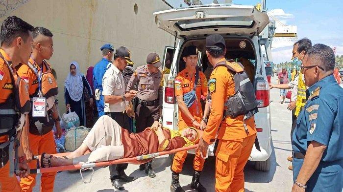3 Penumpang di Pelabuhan Pantoloan dapat Perawatan Medis karena Kelelahan