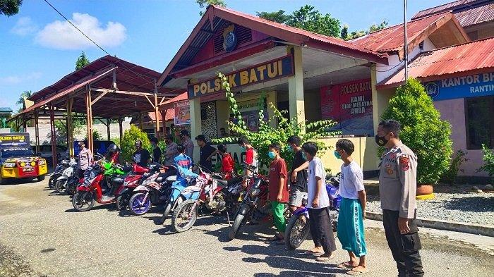 Puluhan Sepeda Motor Berkalpot Brong di Batui Terjaring Razia Polisi