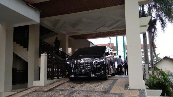 Kunjungan Kerja ke Palu, Mobil Menkumham Dipasangi Plat Menteri Keuangan