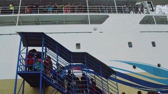 Mudik Lebih Awal lewat Jalur Laut: 250 Orang Berangkat dari Palu Via Pelabuhan Pantoloan