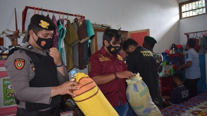 Petugas Geledah Lapas di Tolitoli, Berbagai Senjata Tajam Milik Tahanan Ditemukan