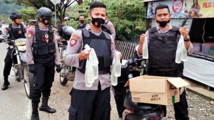 Jaga Keamanan Jelang PSU Pilkada Morowali Utara, Polisi Razia 100 Kantong Miras Cap Tikus