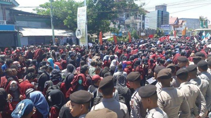 Ribuan Mahasiswa Gorontalo Berunjuk Rasa Protes UU KPK
