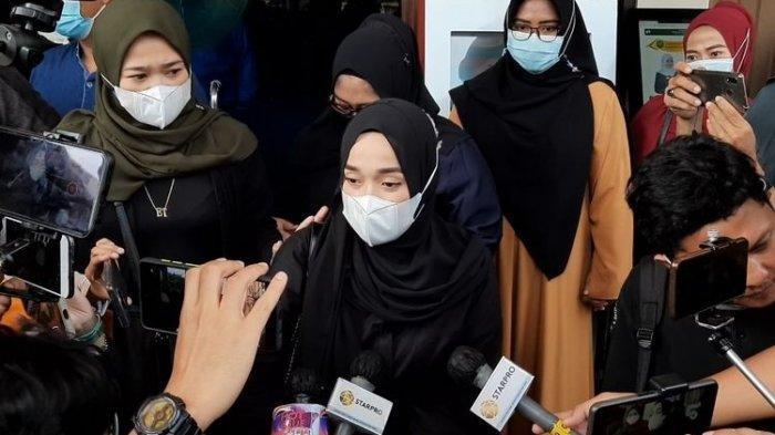 Terlanjur Patah Hati Diselingkuhi Ayus Sabyan, Ririe Fairus Tolak Tawaran Rujuk di Sidang Mediasi