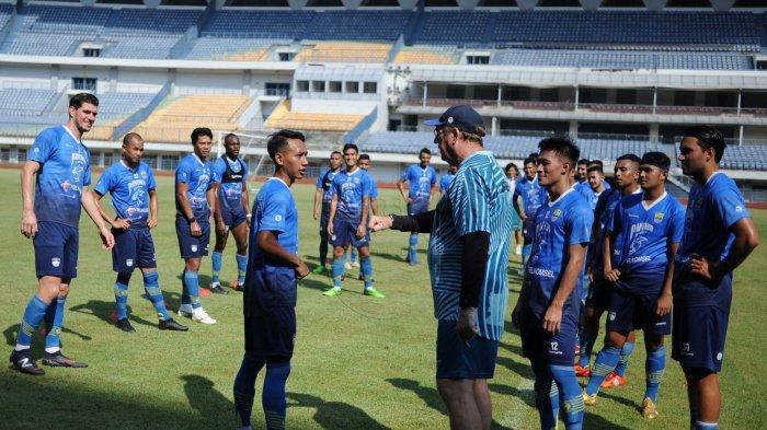 Tak Masuk dalam Rancangan Skuad Persib Bandung, Gian Zola Dimasukkan ke Daftar Pemain Disewakan