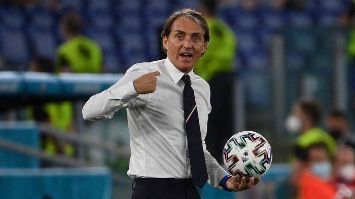Italia Kesulitan di Babak Pertama, Aksi Mancini di Ruang Ganti Bikin Tembok Kokoh Turki Jebol