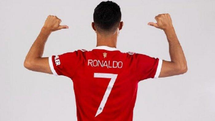 Cristiano Ronaldo resmi mengenakan nomor punggung 7 Manchester United.