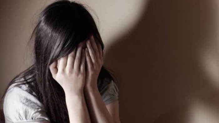 Gadis Minimarket Dirudapaksa 5 Pria Saat Pulang Kerja, Hanya Pasrah Karena Alasan Ini