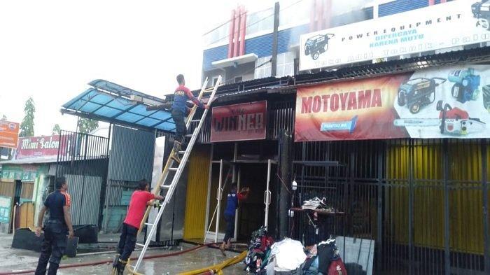 Toko Pakaian di Jalan Sis Aljufri Palu Terbakar, Pemilik Alami Kerugian hingga Ratusan Juta