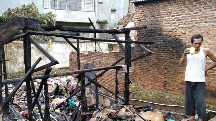 Kisah Pilu Kakek Pencari Rongsokan di Lampung, Uang Tabungan Haji Ikut Ludes Terbakar di Dalam Rumah