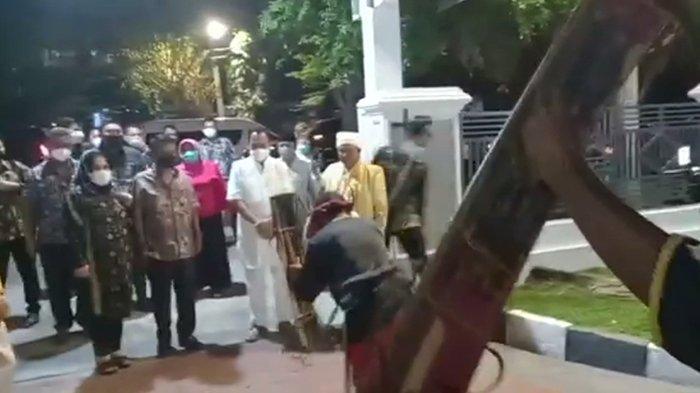 Hadir di Syukuran Rujab Wagub, Gubernur Rusdy Disambut Tari Umapos dari Banggai