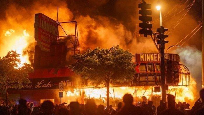 Donald Trump Berlakukan Darurat Sipil di Sejumlah Kota di AS untuk Cegah Kerusuhan Meluas