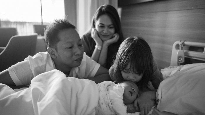 Cerita Penantian Sabai Dieter Hamil Anak Kedua: ''Entah Berapa Testpack yang Kebuang''