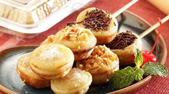 Resep membuat sate martabak manis.
