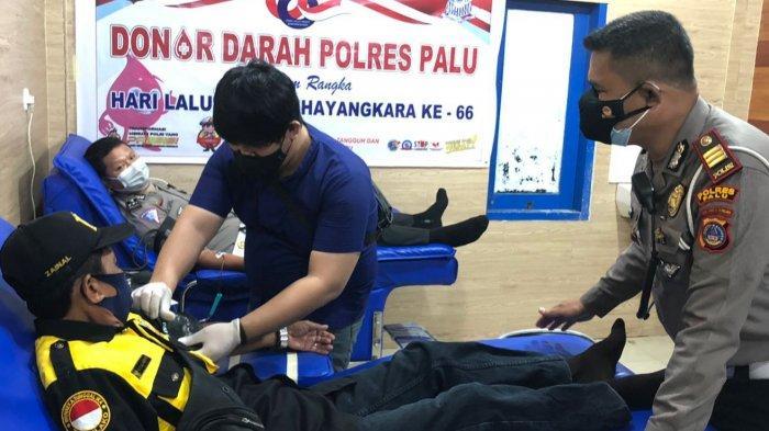 Sambut Hut Ke-66 Lalu Lintas Bhayangkara, Satlantas Polres Palu Gelar Donor Darah dan Baksos