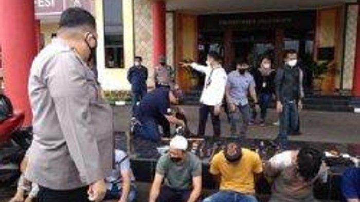 Polisi Diteriaki Maling Saat Gerebek Kampung Narkoba, 10 Pria dan 4 Wanita Diduga Pengedar