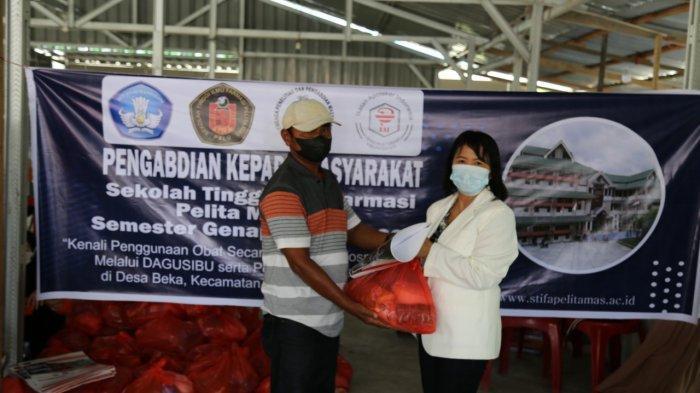 STIFA Pelita Mas Palu Sosialisasi Pengobatan Rasional Penyakit Kanker di Desa Beka Sigi