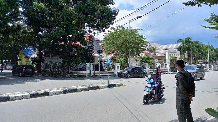 Gelandang dan Pengemis Tak Boleh Lagi Nongkrong di Taman GOR Palu, Ada Satpol PP Bersiaga