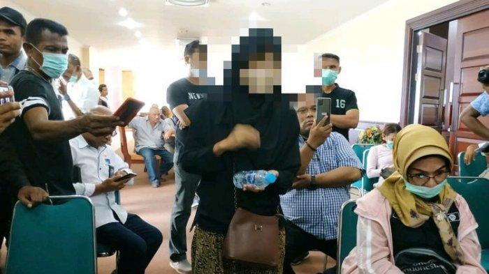 Kantor Gubernur Maluku Mendadak Gaduh Usai Wanita Mengaku ODP Corona Tiba-tiba Curhat di Jumpa Pers