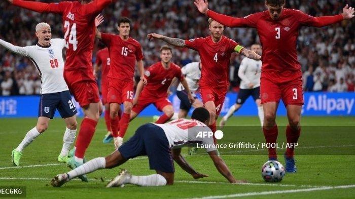 Kontroversi Hadiah Penalti Inggris, Sterling: Selama Bola Masuk ke Gawang, Itu yang Penting