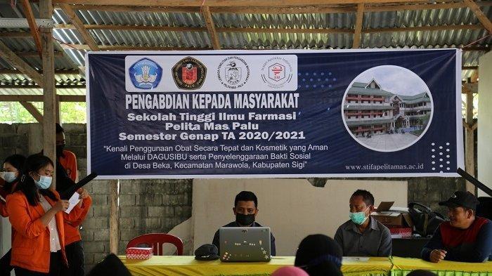 Dosen dan Mahasiswa STIFA Pelita Mas Palu Sosialisasi Budaya Sadar Obat dan Kosmetik di Sigi