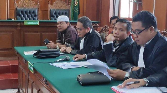 Sidang Gus Nur di PN Surabaya Ricuh, Banser dan FPI Sempat Saling Dorong