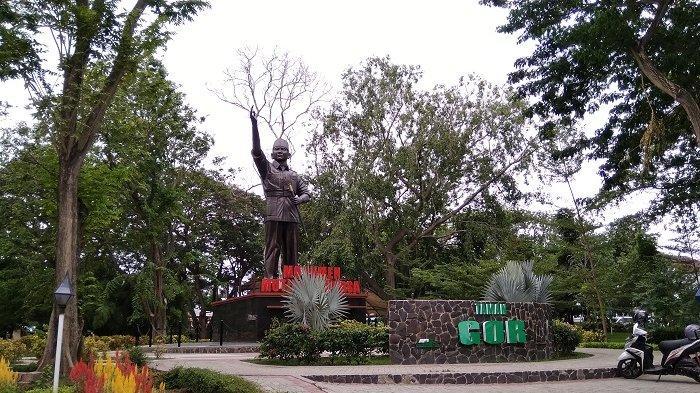 Suasana Taman Gor Palu dan Monumen Mutiara Bangsa