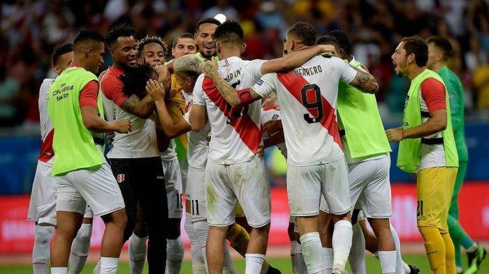 Live Score Semifinal Copa America 2019, Chili vs Peru, Edison Flores Bawa Peru Unggul 1-0