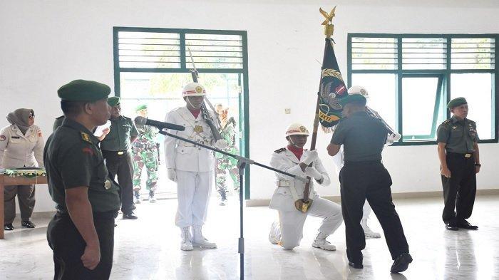Perwira yang Pindah Tugas Dilepas dengan Tradisi Ala Korem Tadulako