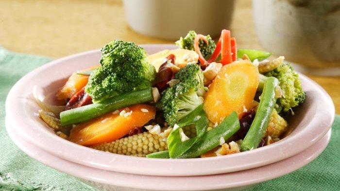 Resep membuat tumis brokoli oriental.