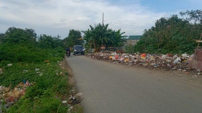Sampah Menumpuk di Jl Kelapa 2 Kecamatan Palu Barat Sumbat Drainase