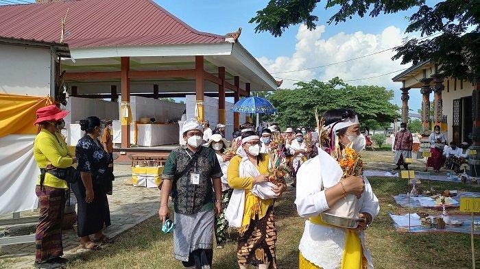 Ngaben Massal Pertama Umat Hindu Palu di Masa Pandemi Covid-19