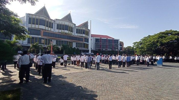 Civitas Akademika Universitas Tadulako Gelar Upacara Hardiknas 2021