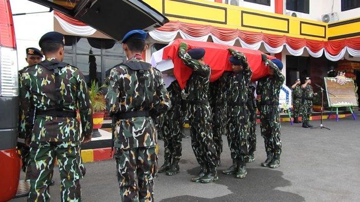 Jenazah Anggota Brimob Polda Sulteng yang Gugur Dipulangkan ke Kampung Halaman