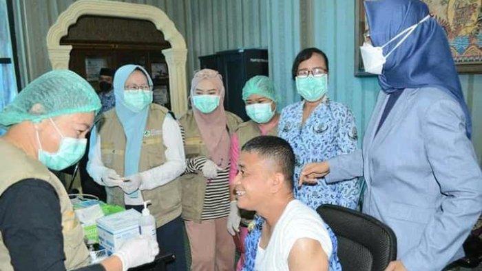 Update Perkembangan Vaksinasi dan Jumlah Kasus Covid-19 di Indonesia, Rabu 14 April 2021