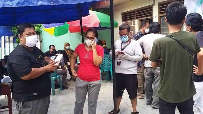 Gandeng Relawan Merah Puti, Pemerintah Kelurahan Lolu Utara Palu Gelar Vaksinasi