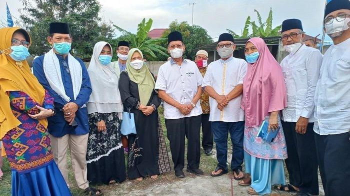 Reny A Lamadjido Hadiri Peletakkan Batu Pertama Pembangunan Masjid Nur Rahman Palu