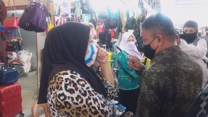 Tinjau Aktivias Pasar Inpres Palu, Wali Kota Hadianto Temukan Warga Tak pakai Masker