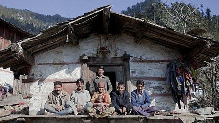 Nekat Tinggal Serumah dengan 5 Pria, Wanita Muda Ini Bingung saat Hamil, Siapa Ayah Anaknya?
