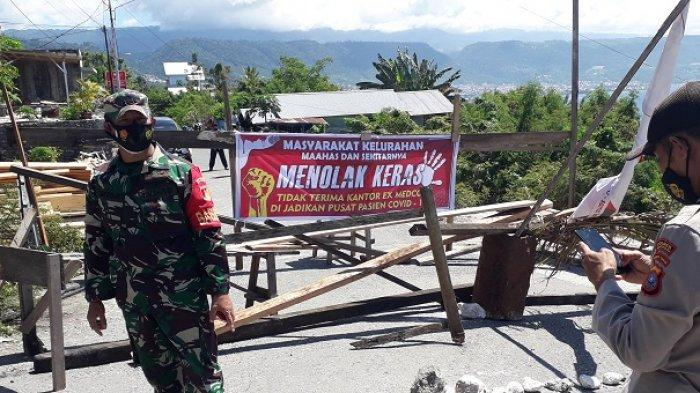 Warga Maahas Tutup Jalan ke Gedung Pusat Isolasi Pasien Covid-19 di Luwuk Selatan