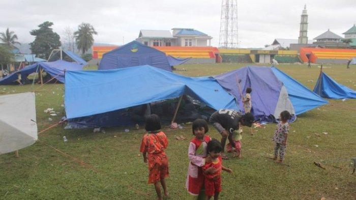 Update Gempa Ambon: Dua Pengungsi Korban Gempa Ambon Meninggal di Tenda Darurat