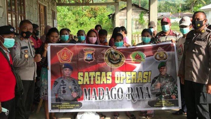 Disambangi Satgas Operasi Madago Raya, Warga Desa Lemban Tongoa Ikrar Lawan Terorisme