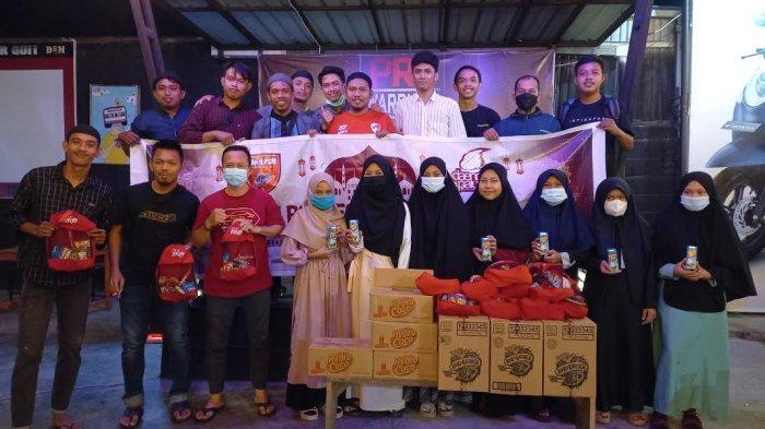 Komunitas Yaku PSM dan Keluarga Besar Daeng Palu Bukber Bersama Anak Yatim