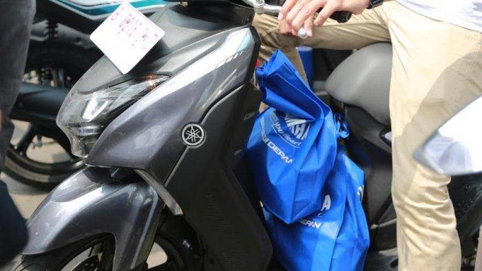 Tips Aman Berkendara dengan Barang Bawaan dari Yamaha Riding Academy