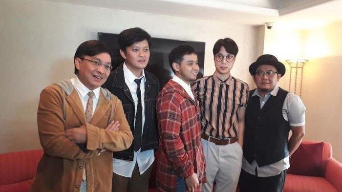 Yovie Widianto bersama Yovie & Nuno konferensi pers di Hotel Sultan, Jakarta Selatan, Jumat (8/2/2019).