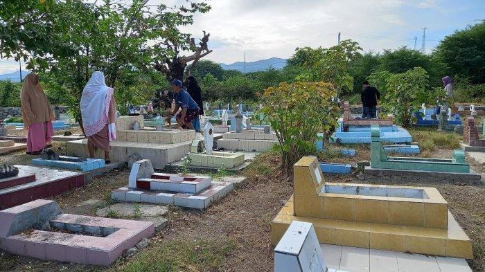 Pekuburan Umum di Tondo Palu Jadi Tujuan Peziarah Usai Salat Id