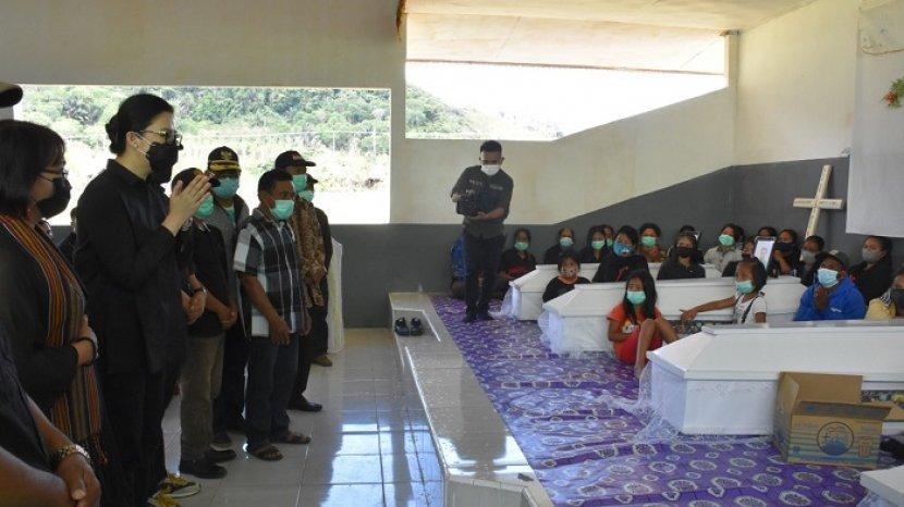 bupati-boso-hadiri-ibadah-pemakaman-kalemago.jpg