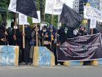 aliansi-mahasiswa-muslim-tadulako-bela-palestina-gelar-aksi-solidaritas-di-jl-sudirman.jpg